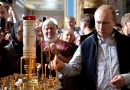Putin receives Communion at Valaam Monastery