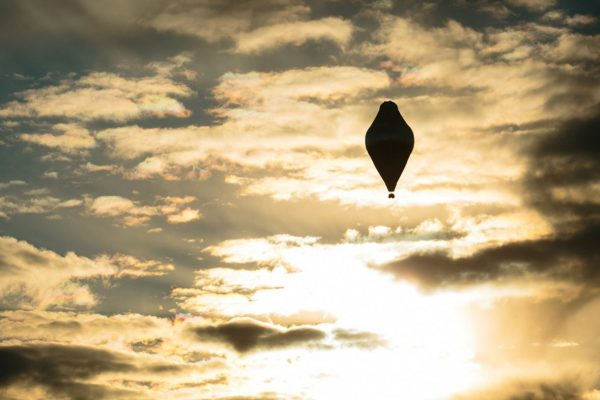 The balloon of Russian adventurer Fedor Konyukhov is seen after lift off in attempt to break the world record for a solo hot air balloon flight around the globe (Oscar Konyukhov/ Reuters)
