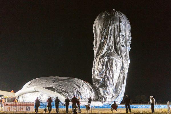 The balloon of Russian adventurer Fedor Konyukhov is inflated (Oscar Konyukhov/ Reuters)