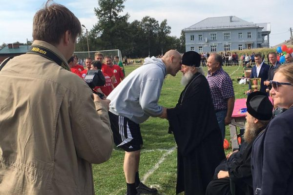 Patriarch watches culture minister and boxer Valuyev playing football with schoolchildren on the Solovetsky Islands