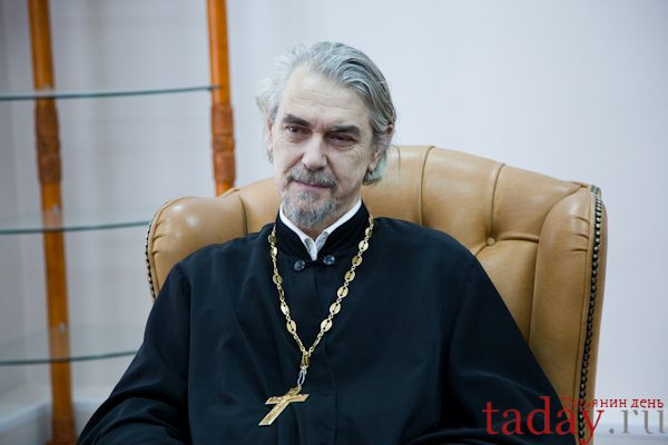 Senior priest of Moscow St. Tatiana Church is not against appearance of deaconesses in Russian Church