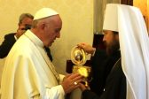 Metropolitan Hilarion of Volokolamsk meets with Pope Francis of Rome