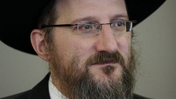 Rabbi Lazar believes Russians give example of love and kindness