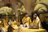 Metropolitan Hilarion celebrates Divine Liturgy at the relics of St Nicholas the Wonderworker