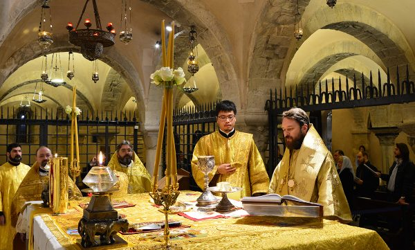 Metropolitan Hilarion celebrates Divine Liturgy at the relics of St Nicholas the Wonderworker
