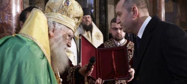 Roumen Radev, Bulgaria's new President, blessed in Bulgarian Orthodox Church ceremony