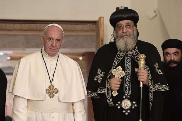 Popes Francis, Tawadros II sign declaration to end controversy over rebaptism