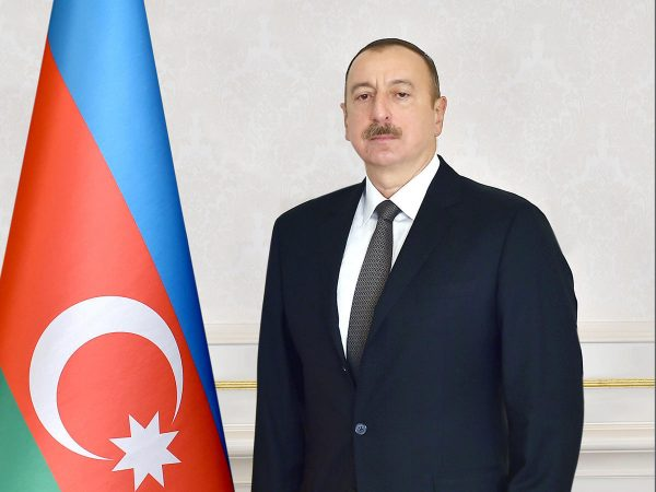 Ilham Aliyev congratulates Orthodox Christian community on Easter
