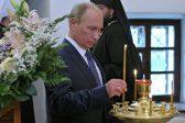 Putin presents icon to Sretensky Monastery church
