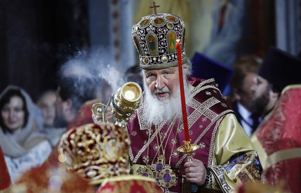Patriarch Kirill welcomes Saint Nicholas relics in Moscow