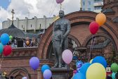 Monument to Russia's last Emperor Nicholas II and Crown Prince Alexis unveiled in Siberia