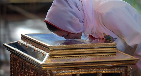 Russian Church says over half of pilgrims venerating St Nicholas's relics non-Muscovites