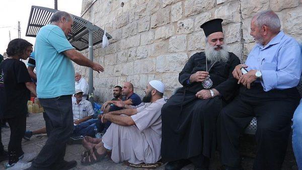 Palestinian Christians, Muslims united: Archbishop