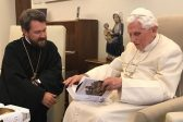 Metropolitan Hilarion of Volokolamsk meets with Pope Emeritus Benedict XVI