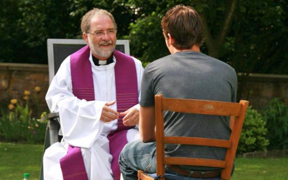 Catholic Priests Introduce the Street Counseling with Atheists