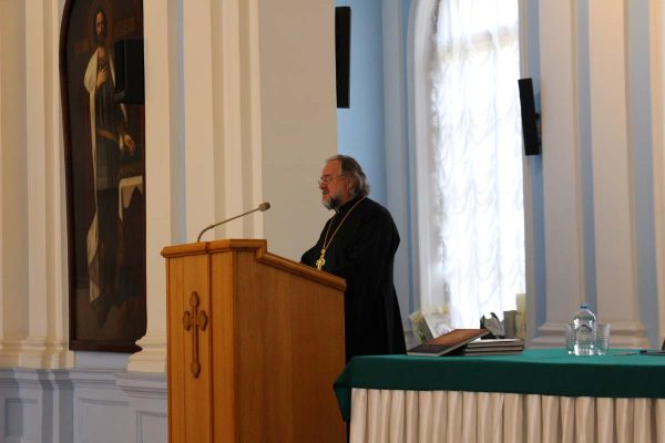 Orthodox Christian Youth of Belarus and the Russian Diaspora Meet at a Round Table