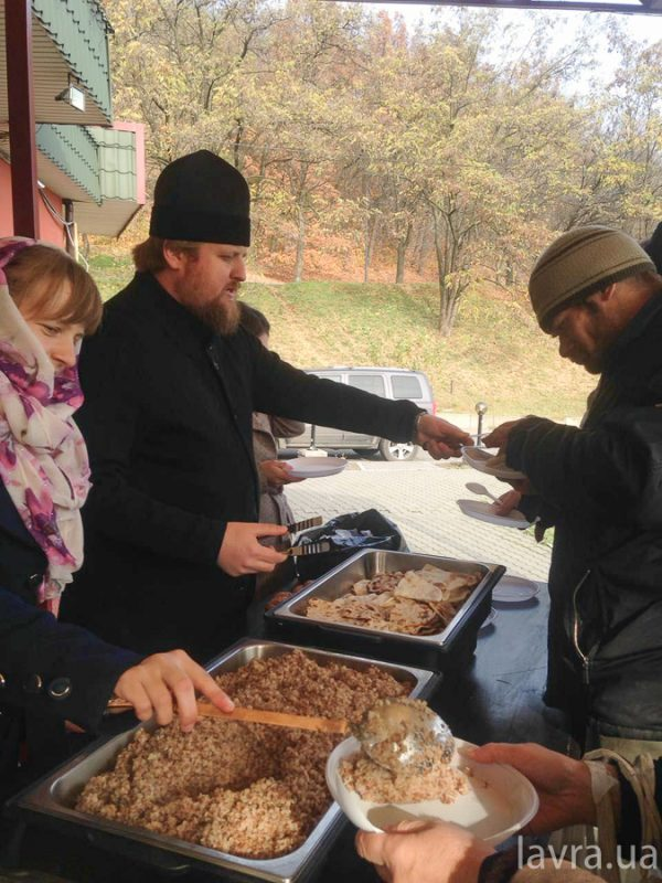 Kiev Caves Lavra holds 50th Charitable Lunch for the Poor