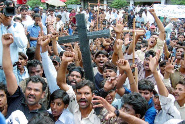Christians Denied Coronavirus Aid During Lockdown in Pakistan
