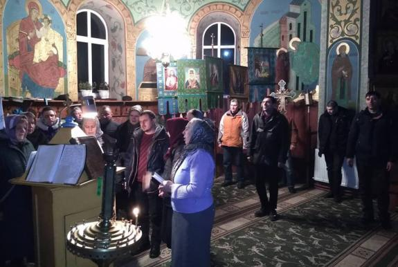 Faithful of the UOC Stand in Continuous Prayer for Two Weeks in Bukovina Region