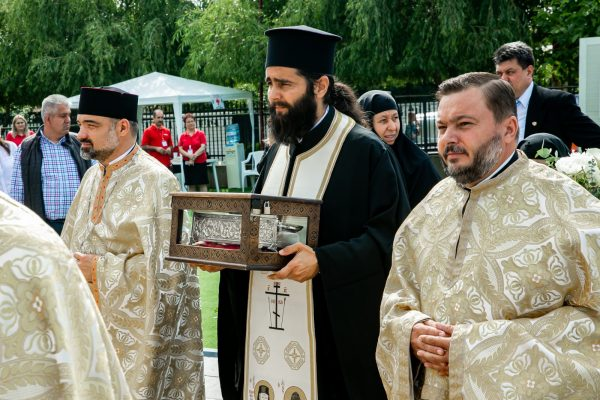 Holy Cincture of the Theotokos Arrives in Voluntari, Romania