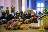 Should Orthodox Christians Kneel on Sundays?