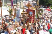 Thousands Arriving at Holy Dormition Pochaev Lavra in Multiple Processions (+ VIDEOS)