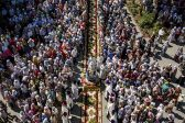 Over 20,000 Believers Go in a Procession from Kamenets-Podolsky to Pochaev
