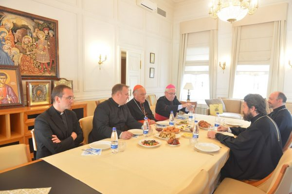 Metropolitan Hilarion Meets with Archbishop of Warsaw Cardinal Kazimierz Nycz