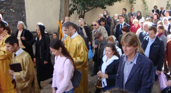 """Parishioners of the """"Russian Exarchate"""" Enthusiastic about Joining the ROC"""