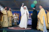 Patriarch Daniel Re-Consecrates Bucharest Church where 'Village and City Gather in Joy of Communion'