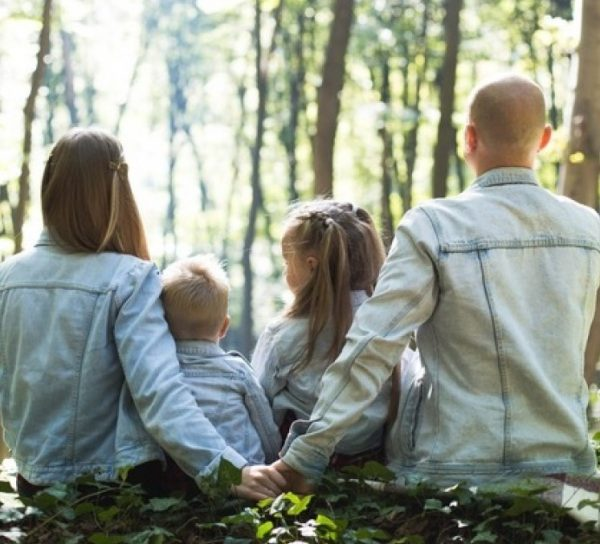 U.S. Children, Christian Children More Likely to Be Raised in Single-Parent Homes: Pew