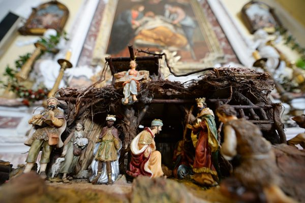 Atheist Group Bullies School Into Dropping Nativity Scene From 3rd Grade Christmas Special