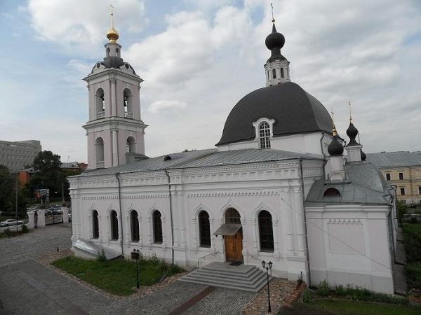Two People Injured in a Knife Attack at Moscow Church