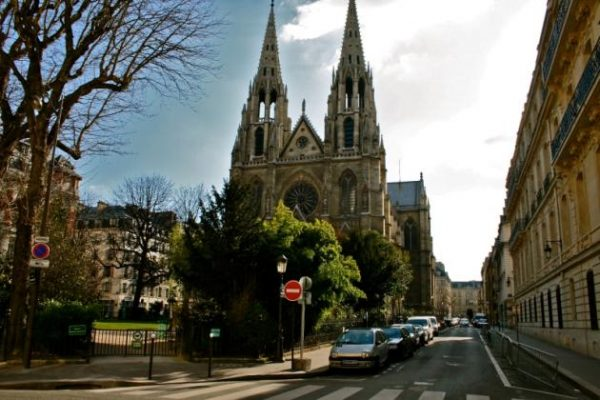 France's Top Court Orders Government to Reopen Places of Worship