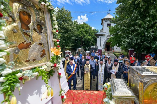 Blessed Relics of St Gregory the Teacher Carried in Procession for First Time in History