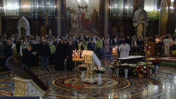 Thousands Gather to Bid Farewell to Fr. Dimitry Smirnov