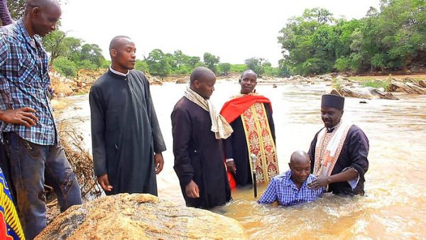 115 Kenyans United to Christ in Mass Baptism