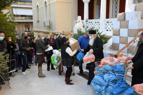 3,000 Families Receive Food, Clothes, Healthcare from Greek Metropolis of Nikaia