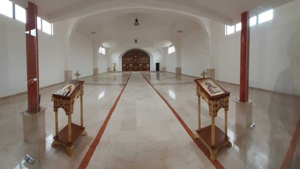 Man sanctifies the place: How Romanians transformed a warehouse into a church in Italy