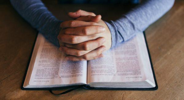 La lecture de la Bible a donné de l'espoir aux chrétiens pendant la pandémie - Enquête