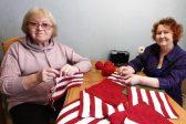 10 Retired Women Knit Blankets to Help the Children of War