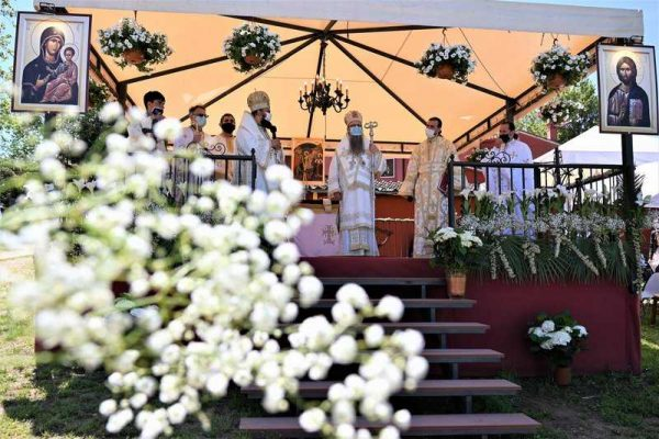 Over 100,000 Romanian Children Baptized in Italy After Bishop Siluan's Enthronement