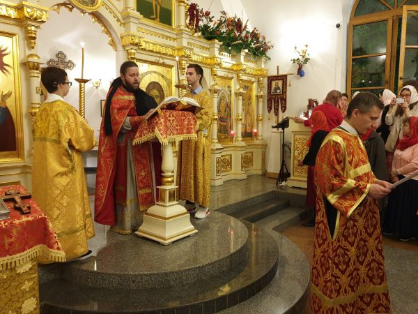 Pascha Celebrated at the Dormition Church in Beijing