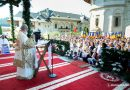 Patriarch Daniel to pilgrims at Putna: Believers feel the maternal love of the Theotokos. She is an intercessor for the whole world