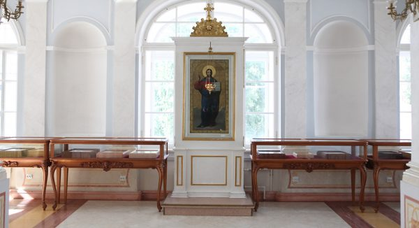 Reliquary with Holy Relics of Fifteen Saints Opens at St. Alexander Nevsky Lavra